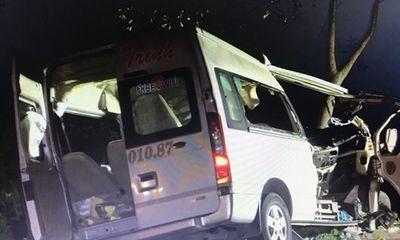 Vụ tai nạn 8 người tử vong ở Bình Thuận: Ai là người lái xe khách 16 chỗ?