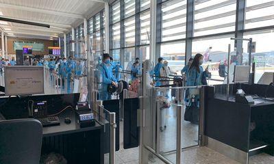 Chở công dân Trung Quốc về nước sau hơn 5 tháng tạm dừng khai thác, Vietnam Airlines thu về nửa triệu USD/chuyến