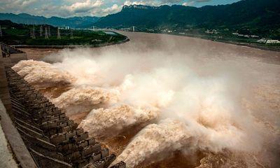 Đập Tam Hiệp hứng đợt lũ thứ 3, Hồ Bắc báo động ở mức cao nhất