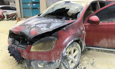 Hà Nội: Quay ra từ cây xăng, ô tô bất ngờ phát hỏa rồi cháy rụi