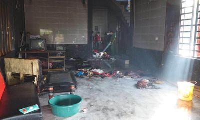 Vụ 4 mẹ con mắc kẹt trong căn nhà bốc cháy: 3 con nhỏ tử vong, hé lộ dòng trạng thái sốc của người mẹ