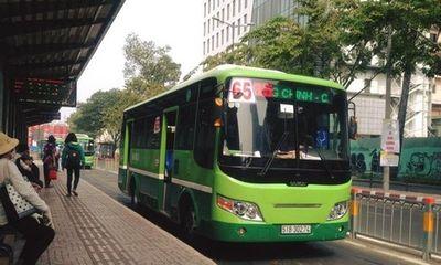 Nhắc nhở hành khách mở nhạc ầm ĩ, tiếp viên xe buýt bị đánh bầm mắt