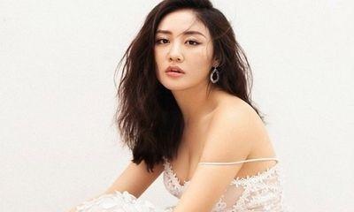 """Bị trích vì cover """"Hoa nở không màu"""" chưa xin phép, Văn Mai Hương lên tiếng nhận lỗi"""