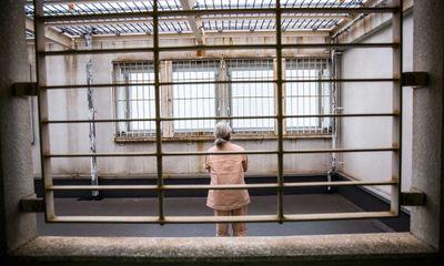 Mẹ già đào đường hầm dài 13m để con trai vượt ngục, khi sắp chạm tới bức tường nhà tù điều bất ngờ xảy ra