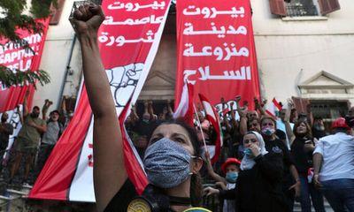 Sau vụ nổ thảm khốc ở thủ đô Beirut, hàng ngàn người dân Lebanon xuống đường biểu tình