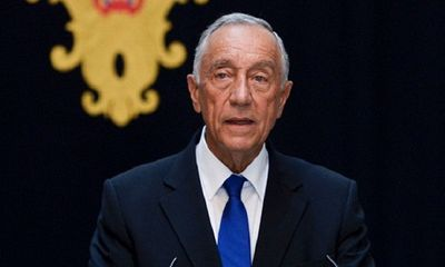 Video Tổng thống Bồ Đào Nha 72 tuổi lao xuống biển cứu người không chút do dự
