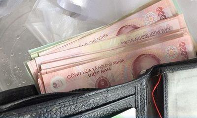 Nhặt được tiền ở căng tin bệnh viện, nữ nhân viên tìm cách trả lại