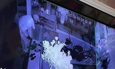 Nữ chủ tiệm vàng ở Hà Nội báo bị trộm 350 cây vàng: