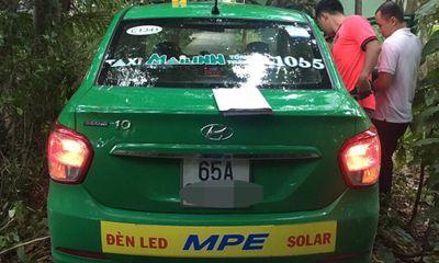 Bị tên cướp siết cổ giữa đêm, nữ tài xế taxi chống trả quyết liệt và cái kết