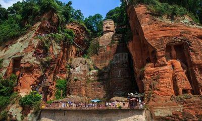 Lạc Sơn Đại Phật, bức tượng 1.200 năm tuổi cao nhất thế giới bị đỉnh lũ chạm đến chân