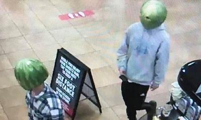 """Cộng đồng mạng rần rần chia sẻ hình ảnh băng trộm """"đầu dưa hấu"""" đầy kỳ quặc"""