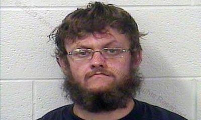 Người đàn ông nghiện ma túy bán đứa trẻ 4 tuổi giá 2.500 USD tại trạm xăng