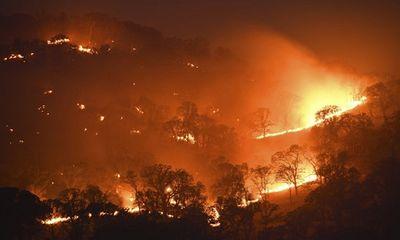 Mỹ: Bang California cầu cứu vì cháy rừng nghiêm trọng