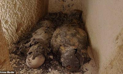 Tìm thấy hai xác ướp phủ kín vàng trong ngôi đền cổ, hé lộ nơi an táng bí mật của nữ vương Ai Cập Cleopatra