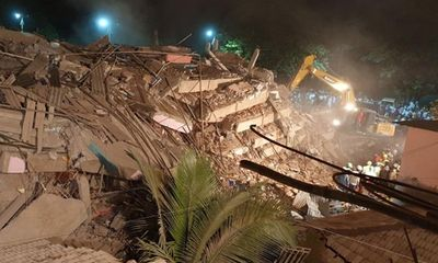 Ấn Độ: Sập chung cư khiến nhiều người bị thương, nghi gần 100 nạn nhân mắc kẹt