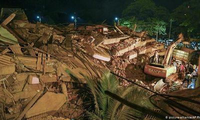 Giải cứu hơn 60 người mắc kẹt sau vụ sập tòa nhà 5 tầng ở Ấn Độ