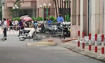 Hà Nội: Nghe tiếng động dưới sảnh chung cư, kiểm tra phát hiện thi thể bé gái 6 tuổi