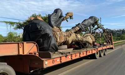 Vụ xe chở cây