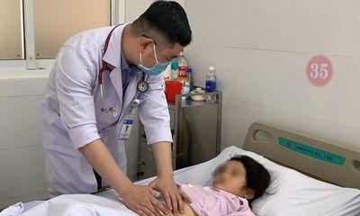 Bé gái nhập viện vì đau bụng nhưng không ngờ bị cắt bỏ hoàn toàn lá lách vì mắc bệnh hiếm gặp