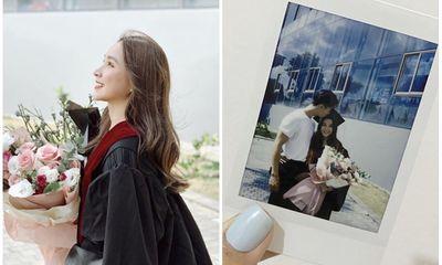 Nữ sinh đại học Văn Lang xinh đẹp tựa thiên thần trong lễ tốt nghiệp, là em gái của một MC đình đám