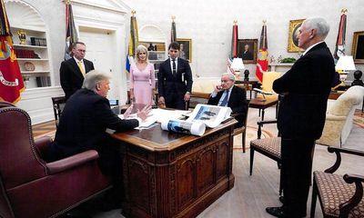 Nhà báo Mỹ: Ông Trump từng thừa nhận mức độ nghiêm trọng của COVID-19