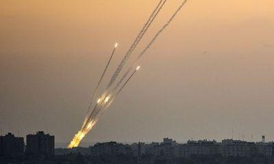 Israel tiến hành loạt vụ không kích ở Dải Gaza, trả đũa vụ phóng rocket khiến 2 người bị thương