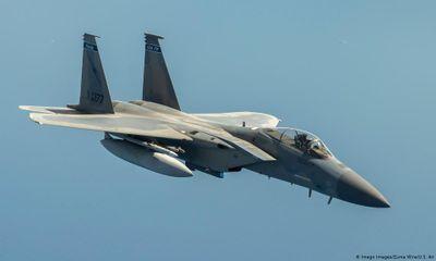Máy bay chiến đấu F-15 của Mỹ phải