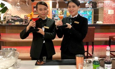 Sinh viên Viện Phát triển Quản lý Singapore (MDIS) đạt giải Nhất và Nhì Cuộc thi Pha chế Cocktail Singapore 2020