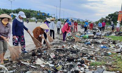 Phụ nữ Khánh Hòa đồng loạt ra quân chống rác thải nhựa