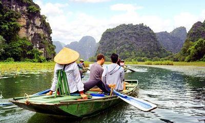 Lại phục hồi du lịch Việt Nam: Lãnh đạo quyết tâm, doanh nghiệp kêu khó