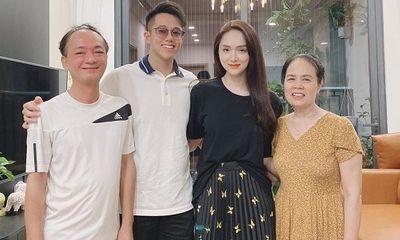 Tin tức giải trí mới nhất ngày 3/10/2020: Hương Giang chính thức dẫn bạn trai về ra mắt gia đình