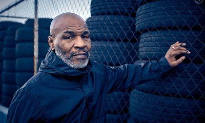 Huyền thoại Mike Tyson tiết lộ từng phải trả 8 triệu USD vì đấm vào mặt người hâm mộ