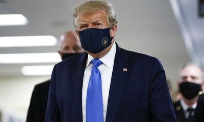 Reuters: Ông Trump đã bắt đầu phải dùng thuốc cho các bệnh nhân COVID-19 nặng