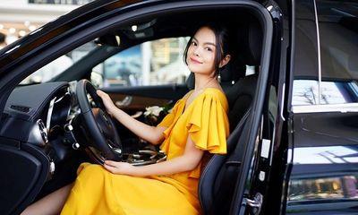 Phạm Quỳnh Anh tậu Mercedes-Benz sau khi trở lại showbiz Việt