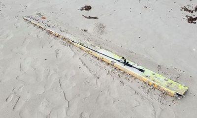 Vụ bí ẩn MH370: Phát hiện mảnh vỡ lạ ở bờ biển, kỳ vọng tìm thấy máy bay xấu số