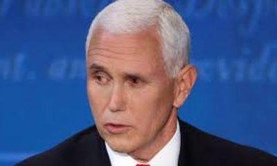 Mắt trái bất thường của phó Tổng thống Mike Pence gây xôn xao về nguy cơ mắc COVID-19