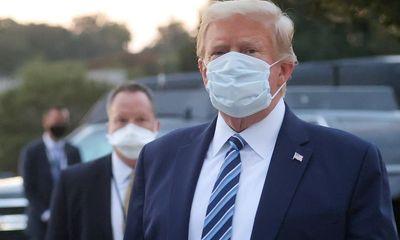 Tổng thống Mỹ Donald Trump tuyên bố đã ngừng dùng thuốc điều trị COVID-19