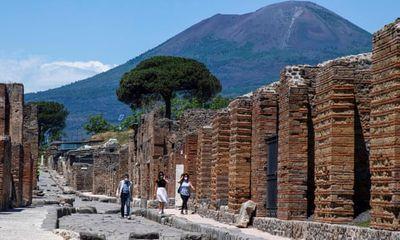 Nữ du khách trả lại cổ vật trộm 15 năm trước vì bị 'dính lời nguyền'