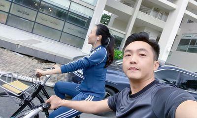 Không đi phượt cùng hội bạn đại gia xế khủng, Cường Đô La bên vợ chơi