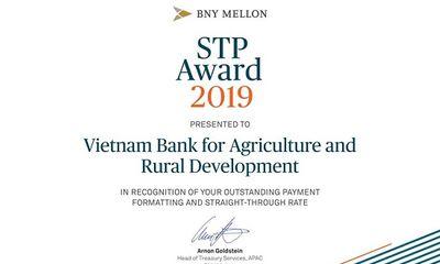 Agribank nhận giải thưởng Tỷ lệ điện thanh toán chuẩn xuất sắc năm 2019 do ngân hàng The Bank of New York Mellon trao tặng