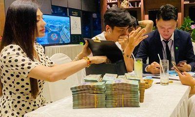 Lâm Khánh Chi mua biệt thự 27 tỷ, mang cả balo để chứa tiền đặt cọc