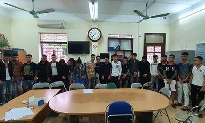 Lào Cai: 19 thanh niên nam nữ tụ tập