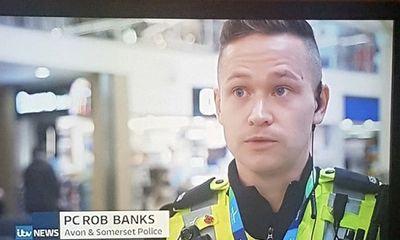 Chàng thanh niên bỗng nổi tiếng sau một đêm vì làm cảnh sát nhưng có tên là
