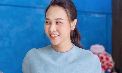 Đàm Thu Trang khoe vóc dáng hoàn hảo sau sinh con, Cường Đô La liền vào khen siêu ngọt