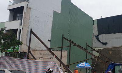 Đà Nẵng: 2 trường học phải di dời vì công trình nhà ở gây nghiêng