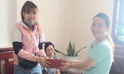 Côn Đảo: Cô giáo trả lại 29 triệu đồng cho người để quên trong quần áo quyên góp