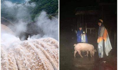 Thủy điện ở Nghệ An đồng loạt xả lũ, người dân ôm đồ di tản trong đêm