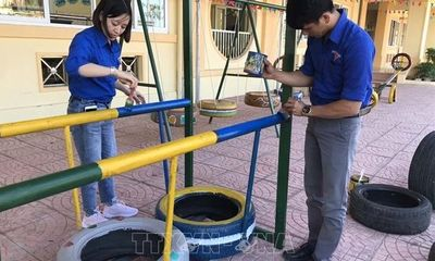 Hành trình thứ 2 của những chiếc lốp xe cũ: Mang yêu thương đến với trẻ thơ