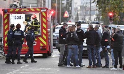 Pháp: Bắt giữ đối tượng tình nghi tấn công bằng súng bên ngoài nhà thờ