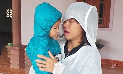 1 ngày tìm thấy 5 thi thể ở Nghệ An: Người vợ trẻ ôm con gọi chồng, gọi anh trai